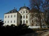 Karlova koruna - Zámek Karlova koruna v Chlumci nad Cidlinou