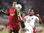 Liverpool - AC Milán: Baroš - Cafú