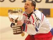 David Výborný s pohárem pro mistry sv�ta 2005