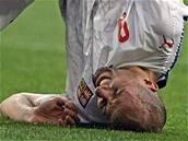 Jan Koller s bolestivou grimasou