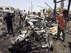 Tržiště po výbuchu bomby v bagdádské čtvrti Sadr