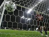 AC Milán dostal gól, Andrea Pirlo