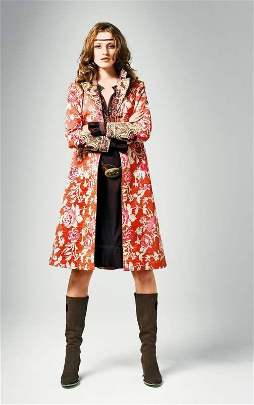 Ruská móda - Nastupte k boji se zimou ve vyšívaném carském ...