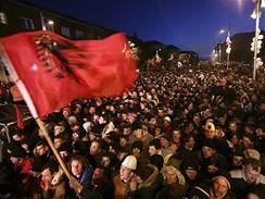 Kosovští Albánci slaví nezávislost, Priština 17. února 2008.