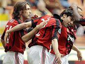 AC Milán (zleva: Pirlo, Kaká, Cafů a Seedorf)