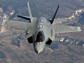 Letoun F-35 Lightning II, který má nahradit osvědčené rozšířené stroje F-16