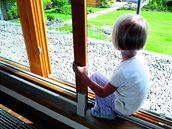 Pro malé dítě je dům se zahradou ideální