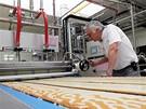 Firma Miko, která vyrábí medovník Marlenka, otevřela novou linku ve Frýdku-Místku (15. května 2009)