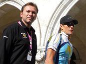 Mana�er Astany Johan Bruyneel (vlevo) a Lance Armstrong