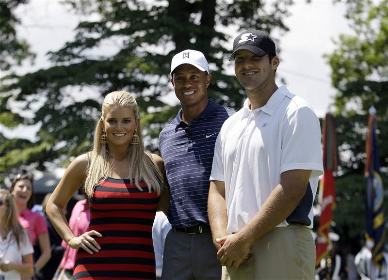 Jessica Simpsonov&#225;, Tiger Woods a Tony Romo ped turnajem AT&amp;T National. 