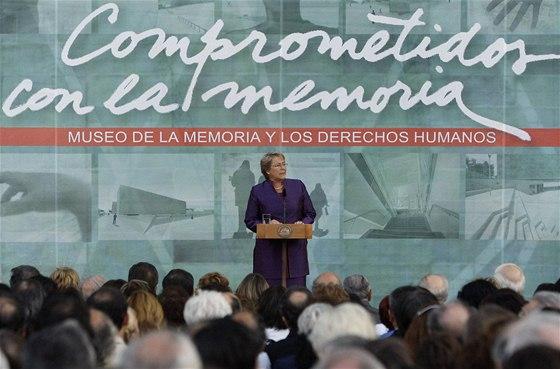 Chilská prezidentka Michelle Bacheletová při slavnostním otevření muzea připomínajícího Pinochetovu dikaturu (12. 1. 2010)