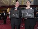 Oscar 2010 - Rick Rosas a Brad Oltmanns ze společnosti PriceWaterhouseCoopers (PWC) jsou jediní, kdo znají výsledky soutěže