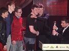 Anděl 2009 - Leoš Mareš předává cenu Charlie Straight