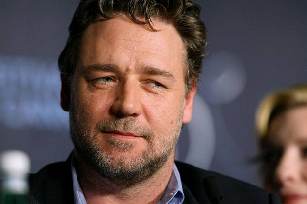 Russell Crowe v Cannes