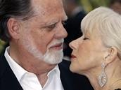 Cannes 2010 - herečka Helen Mirrenová s manželem