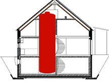 """Řezno, Německo. """"Sluneční dům"""" Lehnerových je obestavěný kolem obřího zásobníku na 38,5 kubíku vody, kterou ohřívají solární kolektory. Systém zajistí vytápění a ohřev vody pouze ze sluneční energie."""