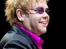 Zp�v�k Elton John vystoupil 10. �ervna 2010 v pra�sk� O2 aren�.