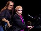 Zpěvák Elton John vystoupil 10. června 2010 v pražské O2 areně.