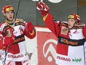 Tomáš Micka (vpravo) a jeho gólová oslava.