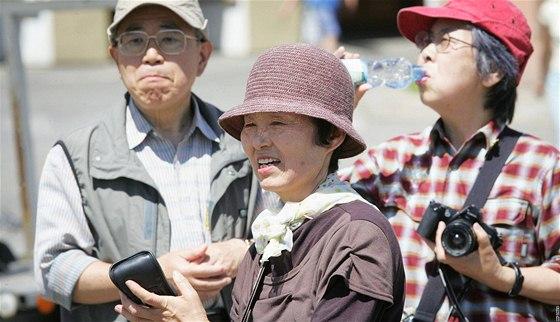 Japon�t� turist� v �esk�ch Bud�jovic�ch.
