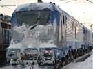 Lokomotivu Škoda 109E  při testování v čele vlaků prověřilo zimní počasí