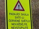 Na silnici u Vran�ho nad Vltavou se z��til kus sk�ly.