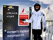 V 3 883 metrech nad mořem nad Zermattem. Pozor na krutý mráz a vítr, rukavice raději nesvlékejte