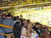 Zimní stadion Ivana Hlinky v Litvínov� o�ima divák�.