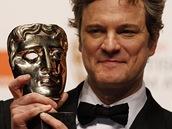 BAFTA 2011 - Colin Firth s cenou za výkon ve filmu Králova řeč (Londýn, 13. února 2011)