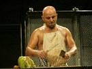 Hynek Čermák na scéně Dejvického divadla
