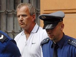 �idi� Pavel Krbec p�ed M�stsk�m soudem v Brn� (15. �ervence 2008)