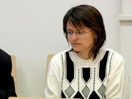 Učitelku Alenu Haškovou (vpravo) jihlavský soud zbavil obvinění za smrt šestileté dívenky.