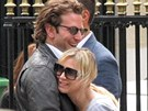 Renée Zellwegerová a Bradley Cooper na společném výletu do Paříže