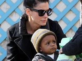 Sandra Bullocková se synem Louisem