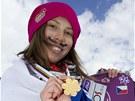Eva Samková se zlatou medailí Mezinárodní lyžařské federace FIS z MS 2011.