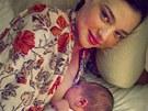 Modelka Miranda Kerrov� poprv� uk�zala sv�ho syna Flynna (2011).