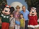 Michael Douglas s rodinou v Disney Worldu