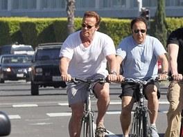 Arnold Schwarzenegger dře na svojí postavě