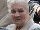 Sestra Josefa Bublíka Anežka Baránková odhalovala pamětní desku svého bratra v Bánově.