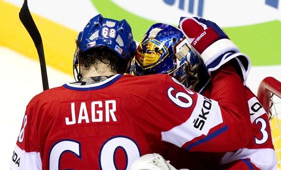 HRDINOVÉ. Jaromír Jágr a Ondřej Pavelec měli největší zásluhu na postupu českých hokejistů do semifinále MS. Jágr dal tři góly a Pavelec vychytal nulu.