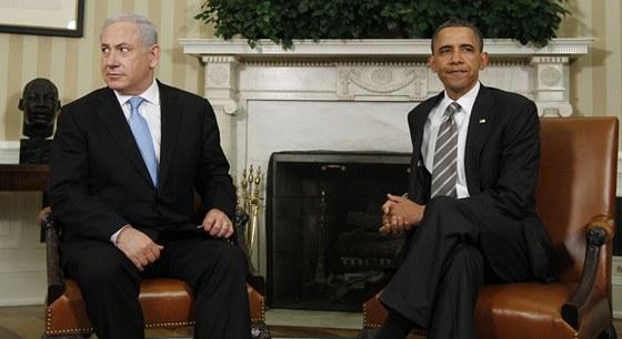 Americký prezident Barack Obama (vpravo) a izraelský premiér Benjamin Netanjahu (20. května 2011)