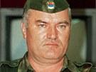 Velitel bosenských Srbů Ratko Mladič na snímku z roku 1992
