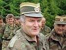 Bývalý velitel bosenských Srbů Ratko Mladič na snímku z června 1996