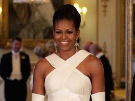 Michelle Obamová na večeři pořádané královnou Alžbětou II.