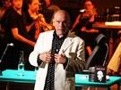 John Malkovich p�i p�edstaven� Pekeln� komedie v r�mci Pra�sk�ho jara 2011