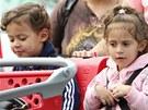 Dvojčata Emme a Max, jejichž matkou je Jennifer Lopez