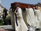 Pohřeb arcibiskupa Karla Otčenáška v Hradci Králové (3., června 2011)