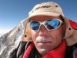 19. 5. 2011: Radek Jaro� na vrcholu Lhoce (8 516 m)
