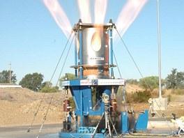 Pozemn� zkou�ka motor� p�vodn�ho Orionu