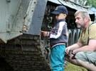 Častými hosty na vojenské přehlídce byly děti